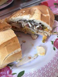 Lechon-Sandwich